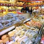 お土産用チーズを買いに。From Paris 2017/1/22